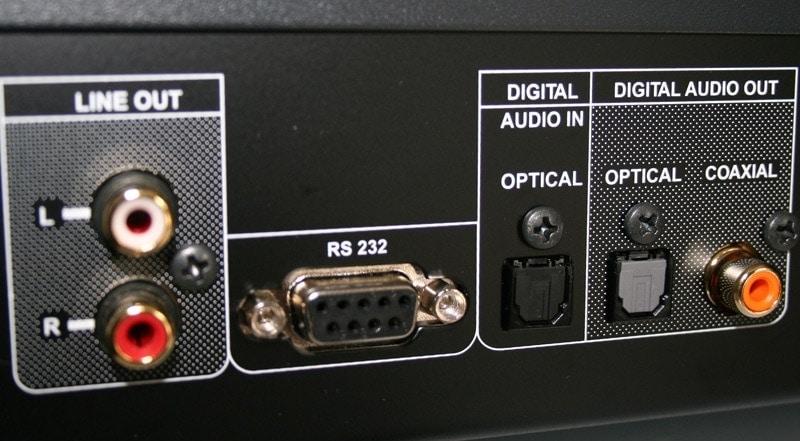 Digitale en analoge aansluitingen cd-speler